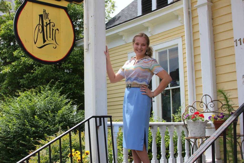 I cannot wait to share with y'all my exciting, vintage-filled, interview with the amazingly talented KK Norris, owner of The Attic vintage shop in Columbus, Mississippi! Stay tuned readers to learn some fascinating things about this vintage-lover, KK Norris! :)
