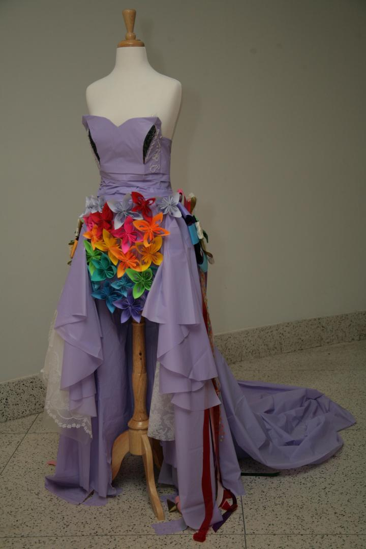 This lavender frock was ever so cleverly designed! I love the rainbow flower accents!