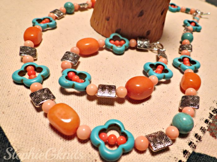 Love this necklace and bracelet set! Oh, it makes me ready for a trip to the beach!