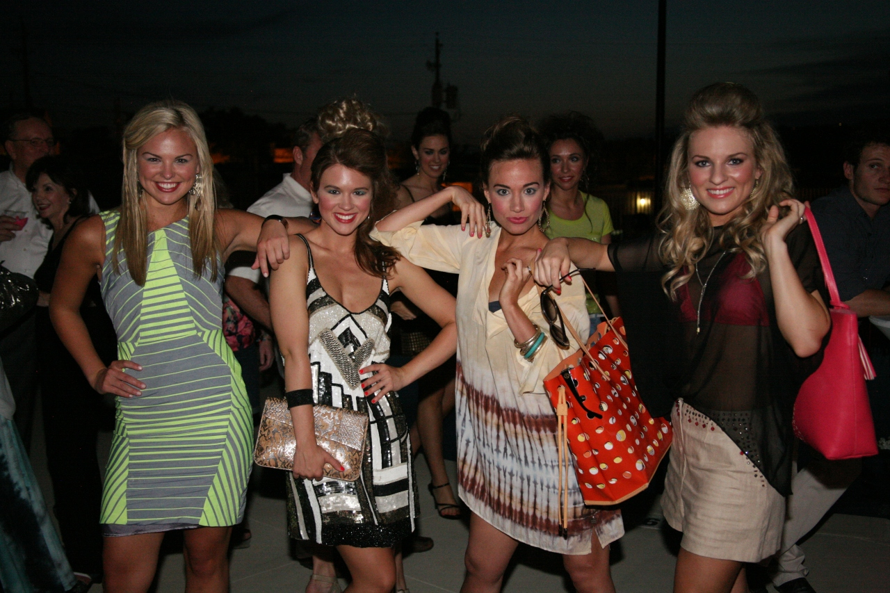 Quick! Strike a pose! Check out thesehot fashions from Gus Mayer! Ooo! So cute!
