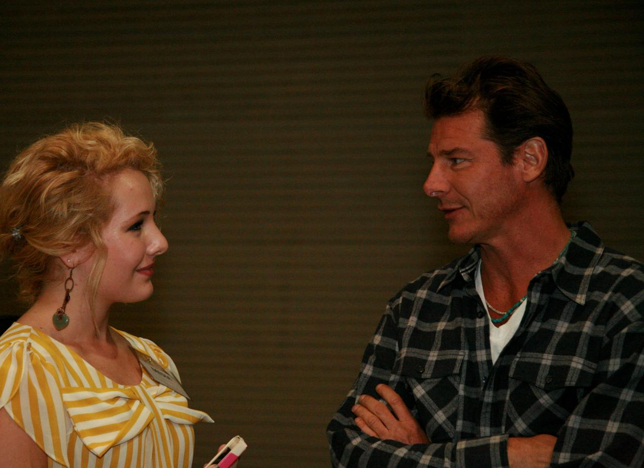 Ty Pennington and the VIP chatting backstage before his appearance. Can you guess what Ty's favorite color is, and what kind of power tool he recommends for the VIP? Stay tuned to find out on the upcoming interview! Whoo hoo!