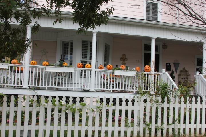 The fall season is in the air...love seeing all the pretty pumpkins everywhere:)