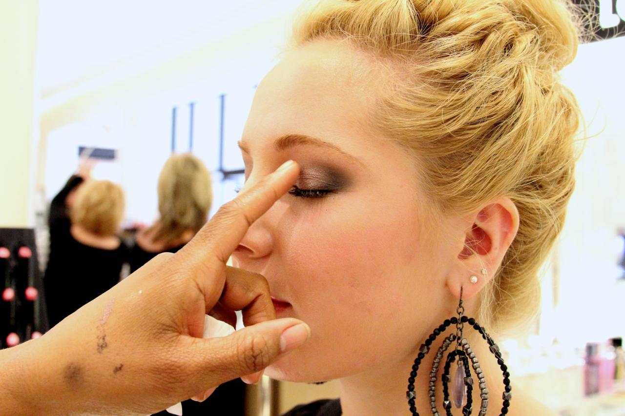 "Snapshot of Kimberly explaining the VIP's makeup look during the ""secret"" tutorial *wink* It shall be revealed later :)"
