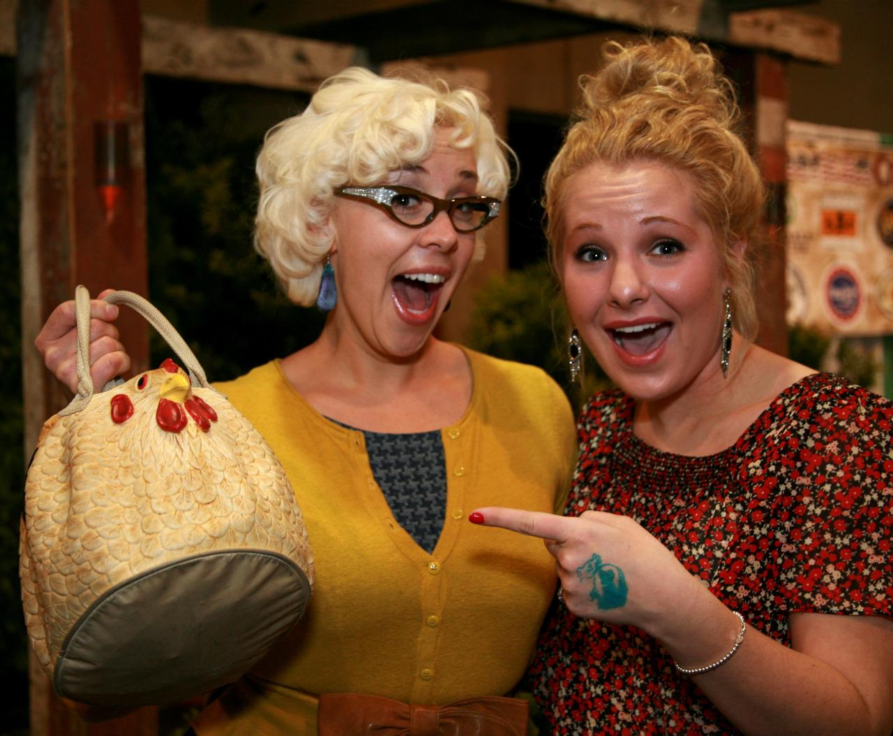 Okay. So Emily's handbag--I mean CLUCK-tch, was too darn cute! I just could not wait until her interview post to share  it with y'all. The VIP so needs a CLUCK-tch *wink*