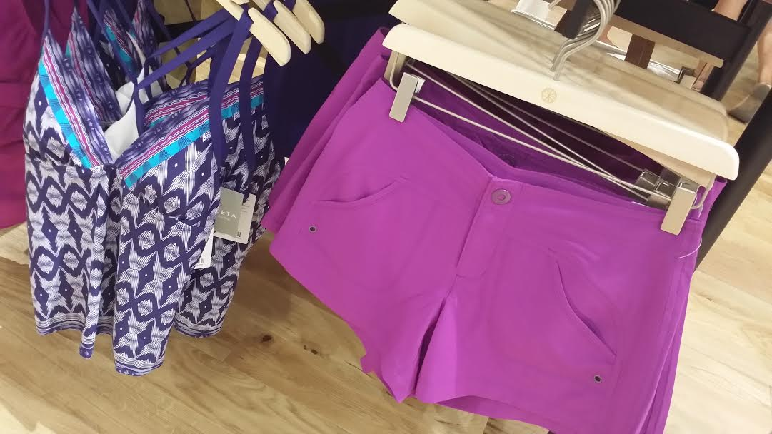 This swim tank + purple shorts is the perfect after-beach outfit!