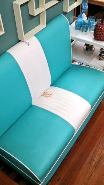 Life Goal: Design a kitchen around this retro, diner bench! Oh...I think I'm in love *wink*