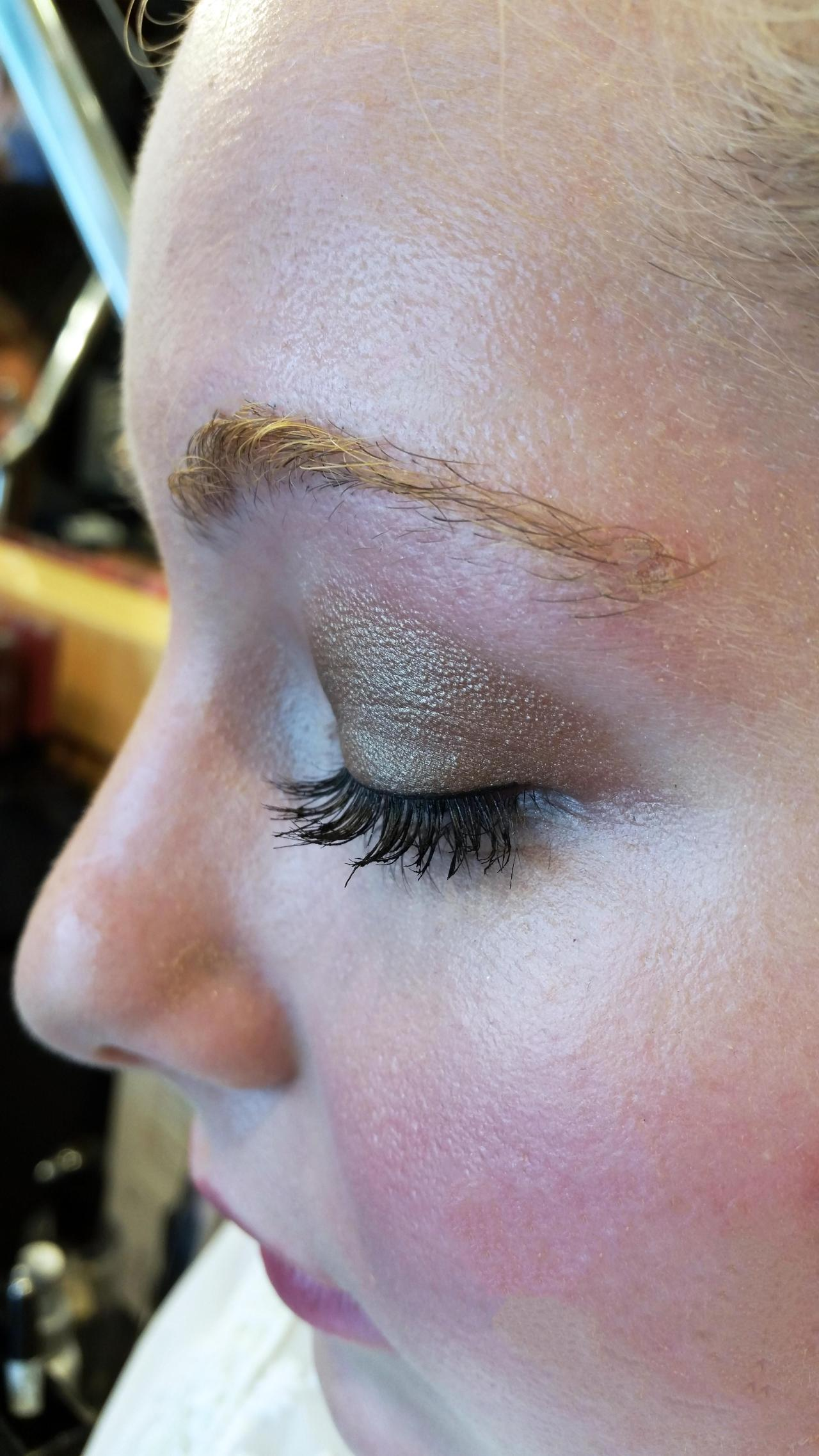 """""""Creating a natural yet sassy eye is simple. On you, I used Bobbi's Metallic Eye Shadow in Champagne Quartz 2. This pretty shade will make creating the second look [smokey eye] super easy."""""""