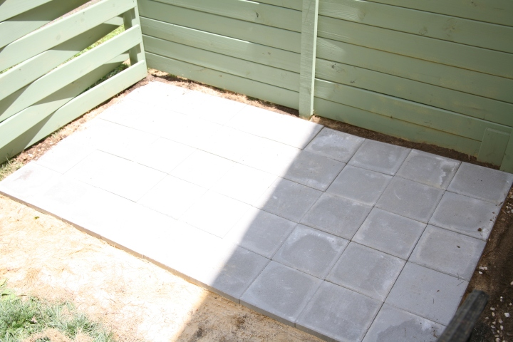 TAH DAH! The finished project. Come back next week to see how I transform this boring concrete patio into something colorfully dazzling *wink*