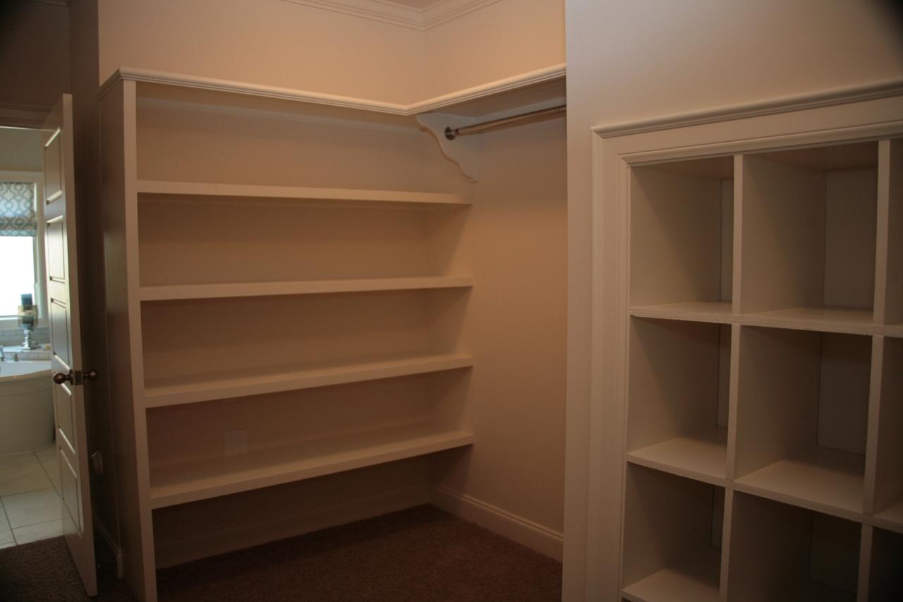 So...Where do I sign for a closet like this?!