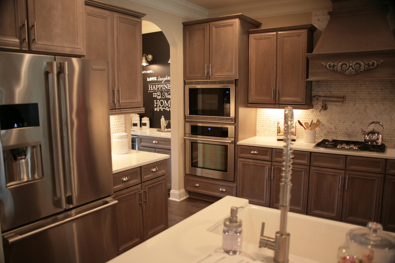 Yes--I'll take this kitchen in my future home--just make the counter tops darker *wink*