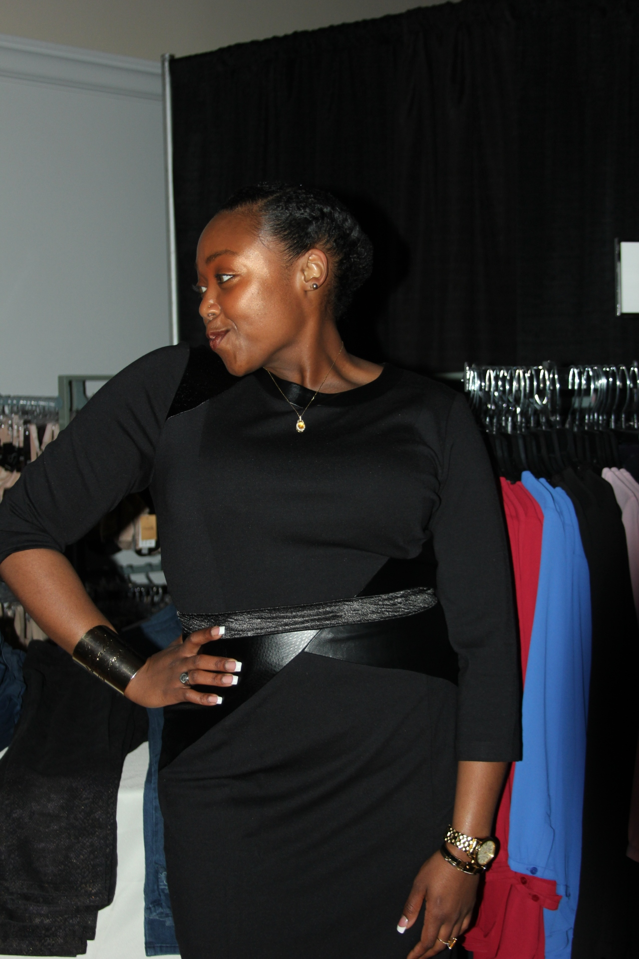 Kenya Patterson, a handbag Sales Manager at Dillard's (Knoxville), modeling a super hot NYDJ frock. Kenya could so be a model--so gorgeous!