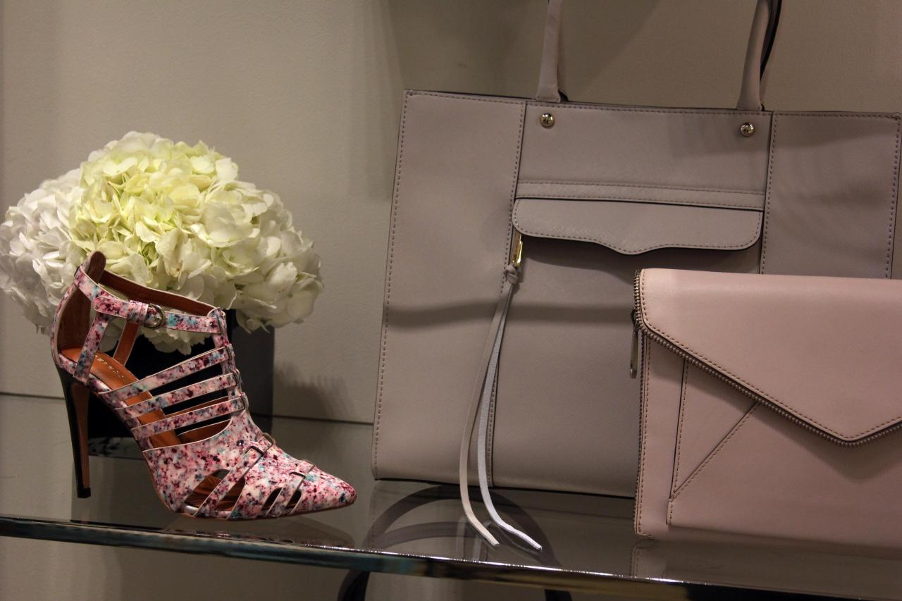 I need these heels in my life...and probably the two handbags, too *wink*
