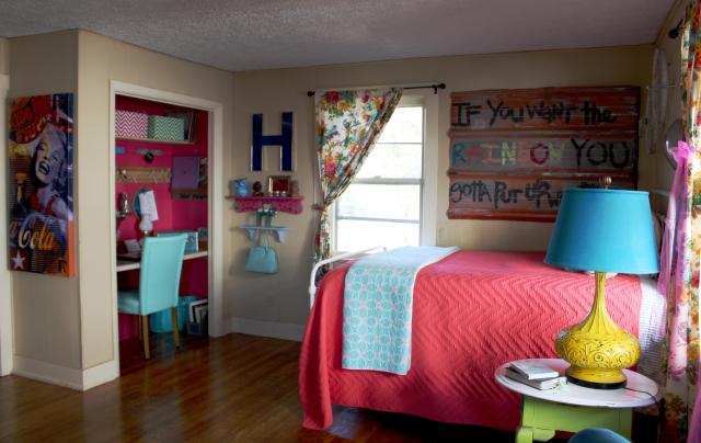 """A peek at how the office and bedroom/entry room flow so well together. Keeping the walls in the """"bedroom"""" muted allowed me to paint my office any color under the sun! The office space is like a pop of color to this space, much like a bright accessory accents a dull outfit!"""