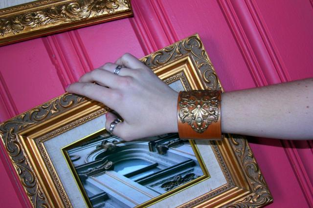 *girl scream* No words can express just how lovely I think this Luke & Lula cuff is! It reminds me of New Orleans, and it has me wishing I was there to enjoy killer food and jazz music.  *photo in frame was taken by my father in New Orleans*