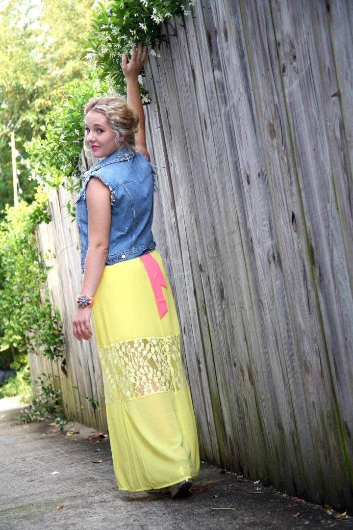 Click here to see 3 ways I sported this fabulous, strapless dress.