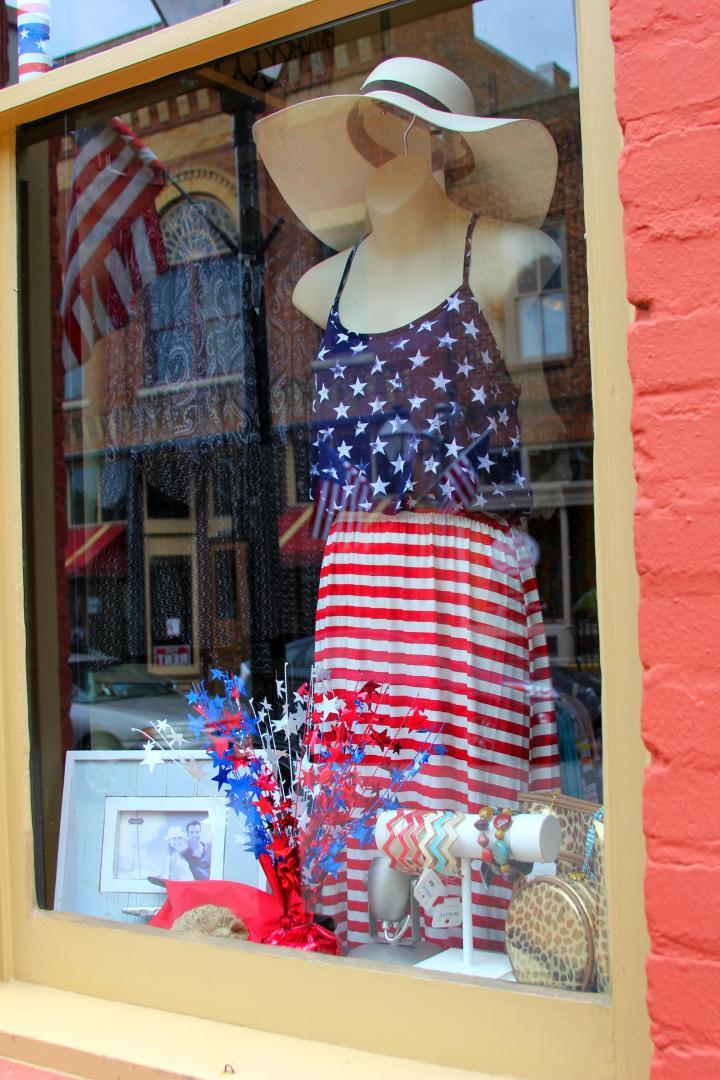 Shellz shopping window in downtown Jonesborough, Tennessee.