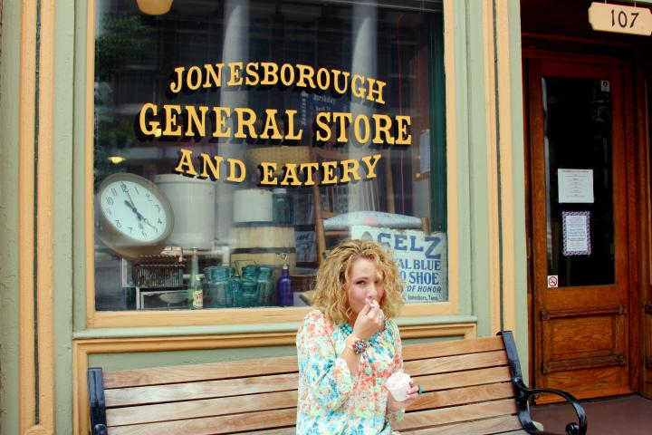 Behind-the-scenes: While taking photos in Jonesborough, Tennessee, I just had to stop for strawberry ice cream at the General Store & Eatery. Such a lovely little place :)