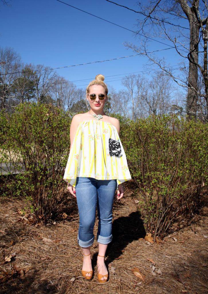 Oh goodness--remember that time I wore a vintage skirt as a strapless blouse? I totally forgot about this look; however, I am falling in love with it all over again! April 2014 Click here to view post.