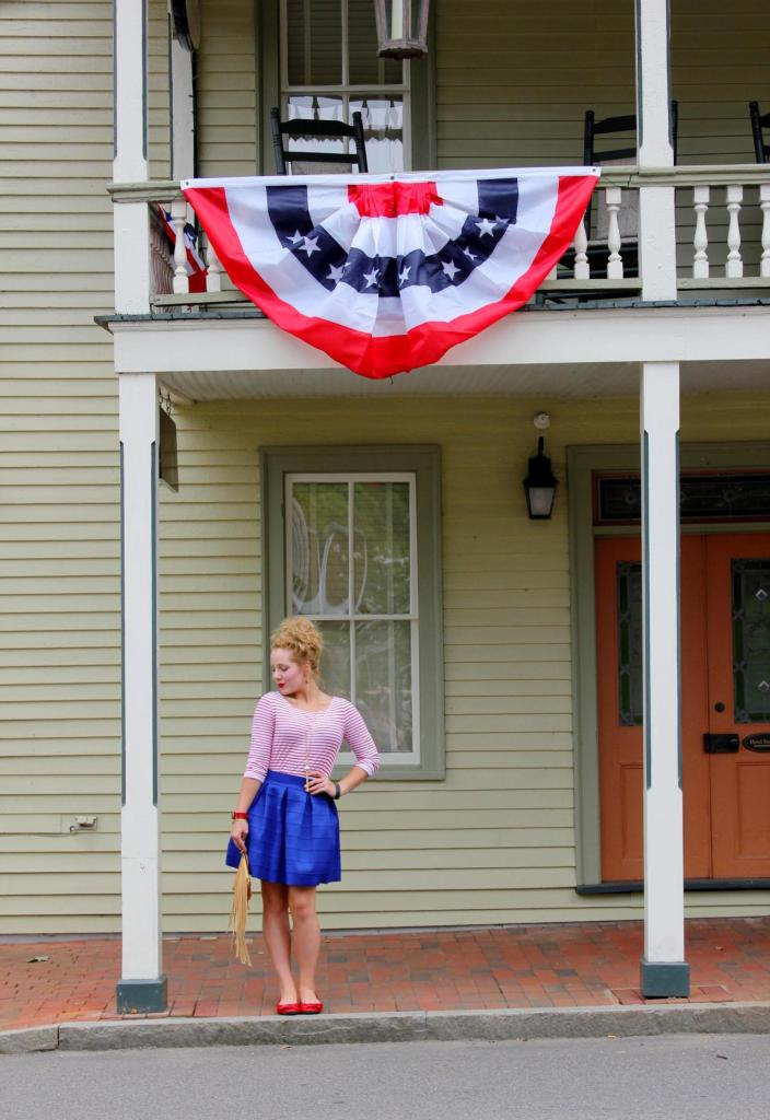 And last but not least...how could I NOT include a patriotic look?! This shirt-skirt combo is a red, white blue classic that was so effortless yet so glamorous! July 2015 See full post here.